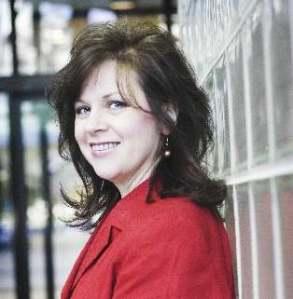 Shannon Taylor Vannatter Headshot - red